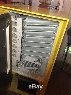 VINTAGE, COKE, vendo, cavalier 60s VENDING. MACHINE, RESTORED, Mancave Garage