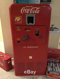 VMC 33, Vintage Original Coke Machine -IT RUNS! Water Fountain Attached