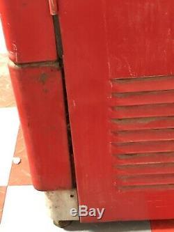 Vendo 110 Working Cooling Antique Soda Pop Coca Cola Coke Machine