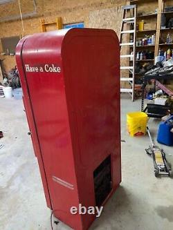 Vendo 39 Coke machine 1950's Coca Cola in Bottles