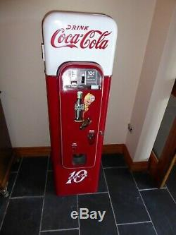 Vendo 44 Coke Machine-Antique-Excellent Condition
