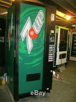 Vendo 621 Bottles/Cans Soda Vending Machine