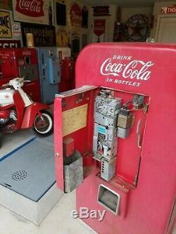 Vendo 80 Coke Machine
