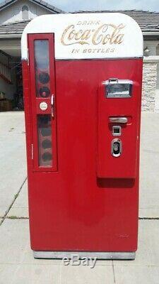 Vendo 81 B Coca Cola Coke Soda Machine