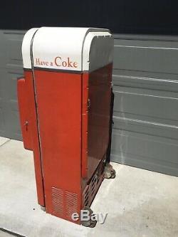 Vendo 81 Coca Cola Coke Soda Machine Original Condition Gets Ice Cold