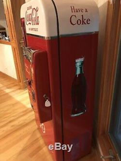 Vendo 81 D Coca Cola Coke Machine, Professionally and Meticulously Restored