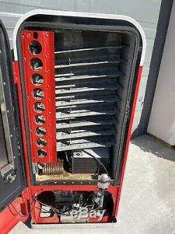 Vendo 81B Coca Cola Coke Soda Machine Original Condition Gets Ice Cold VMC