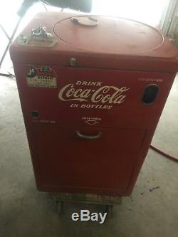 Vendo A23 Coke/Coca Cola 23 Spin Top Vending Machine