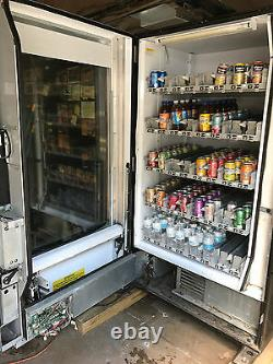 Vendo Vue 40 Glass Front Soda Beverage Vending Machine with Robotic Arm