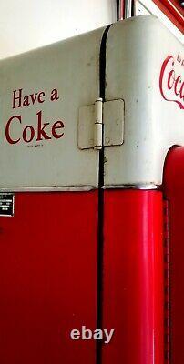 Vendo model 44 Coca Cola Coke Machine Ready for restoration
