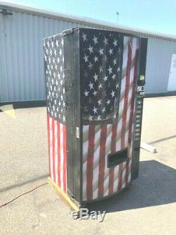 Very Nice Dixie Narco 501e MC 9 Selection Soda Vending Machine