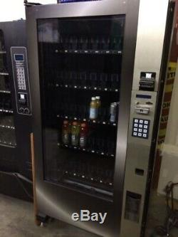 Very Nice Royal Vision Rvv500 Glass Front Soda / Drink Vending Machine With Arm