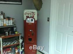 Very rare v44 coca cola machine vendo changer is not working