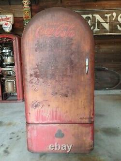 Vintage 1940's F. L. Jacobs Jsc 160 Coke Drink Coca Cola Vending Machine