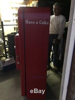 Vintage 1950s Vendo Coke Coca Cola Soda Vending Machine Model F39b5. It Works