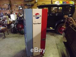 Vintage 1960's Pepsi Machine