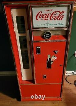 Vintage Coca Cola Coke Bottle Soda Machine Cavalier