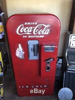 Vintage Coca Cola Machine Vendo 39 Working Cools Vends Needs New Paint