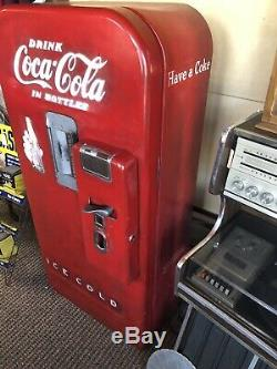 Vintage Coca Cola Machine Vendo 39 Working Cools Vends Needs New Paint