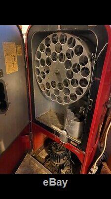 Vintage Coca-Cola Original Unrestored Vendo 39 Coke Machine