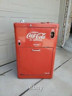 Vintage Coca Cola Vendo 23 Vending Machine