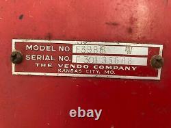 Vintage Coca-Cola Vendo F39B6 25 cent Coke Soda Machine