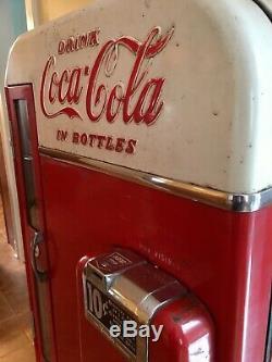 Vintage Coca Cola Vendo H81 B c. 1956