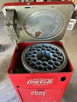 Vintage Coca Cola vending machine 1950s Vendo A23C mini bottle Top Load