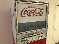 Vintage Coca-Cola vending machine rebuilt and 100% working condition