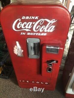 Vintage Coke Machine Vendo V-39 Works Vends Cools Needs Correct Paint Job PA
