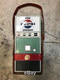 Vintage Pepsi Cola Vending Machine Transistor Radio