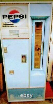 Vintage Pepsi Machine, 1964 LaCrosse Soda Pop Coca Cola Coin Op Vending Machine