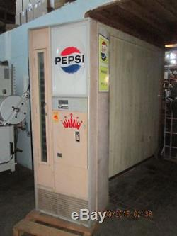 Vintage Pepsi Machine REF # (OC969)