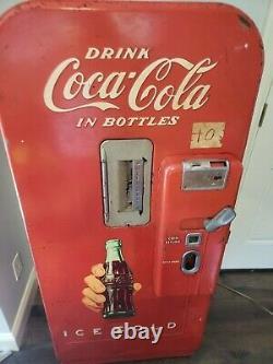 Vintage Vendo 39 Coca Cola/ Coke Machine