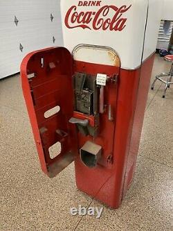 Vintage Vendo 44 Coca Cola Machine