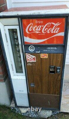 Vintage Vendo Coke Vending Machine No Key Turns On Model 01C0630AE
